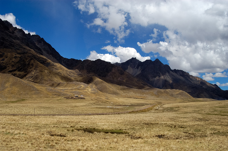 Andes-Mountains-in-Peru_018.jpg