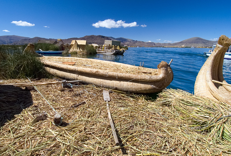 Traditional-reed-boats-Lake-Titicaca-Photo-124.jpg