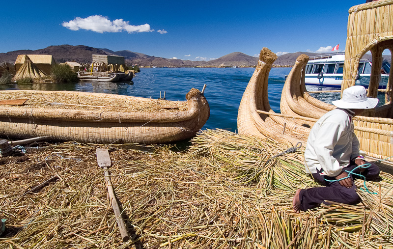 Traditional-reed-boats-Lake-Titicaca-Photo-125.jpg