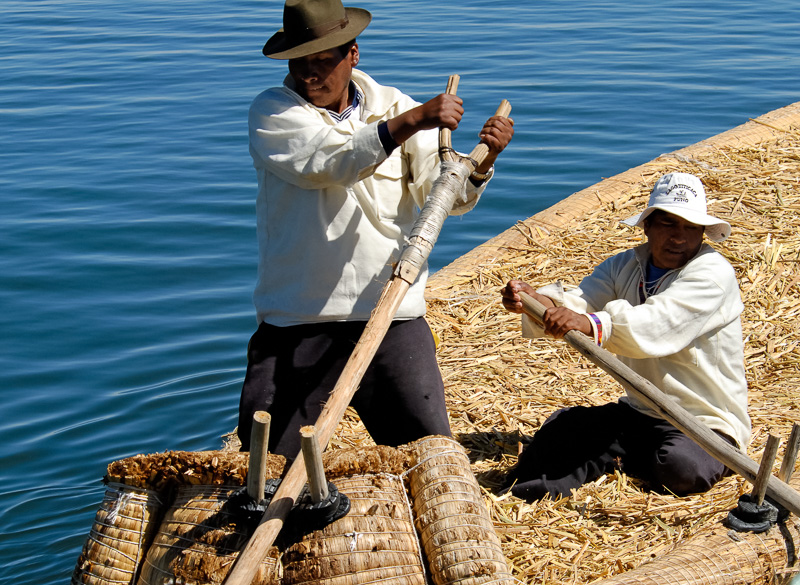 Traditional-reed-boats-Lake-Titicaca-Photo-2602A.jpg