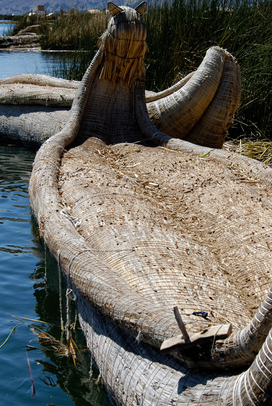 Traditional-reed-boats-Lake-Titicaca-Photo-2642A.jpg