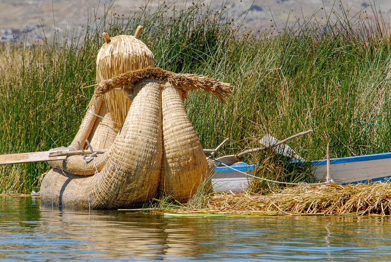 Traditional-reed-boats-Lake-Titicaca-Photo-2665A.jpg