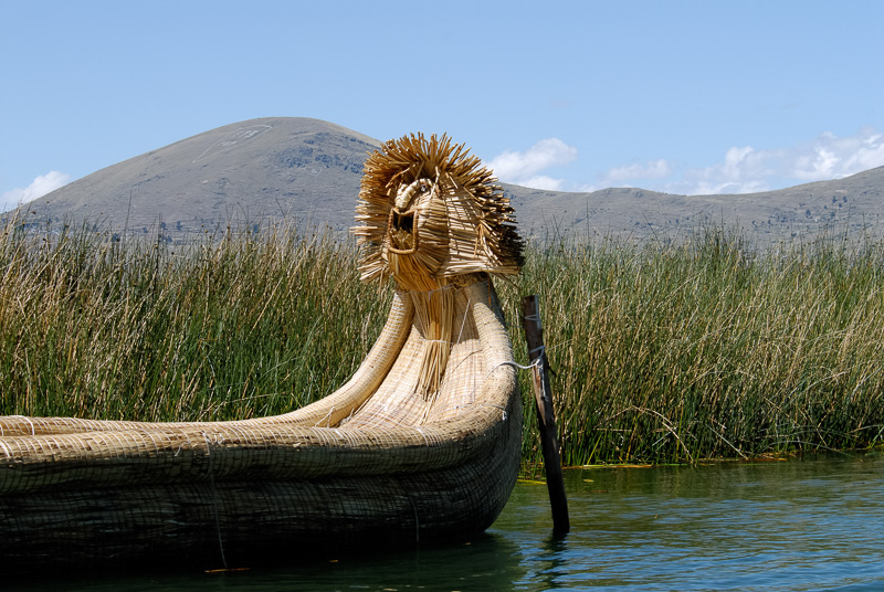 Traditional-reed-boats-Lake-Titicaca-Photo-2681A.jpg