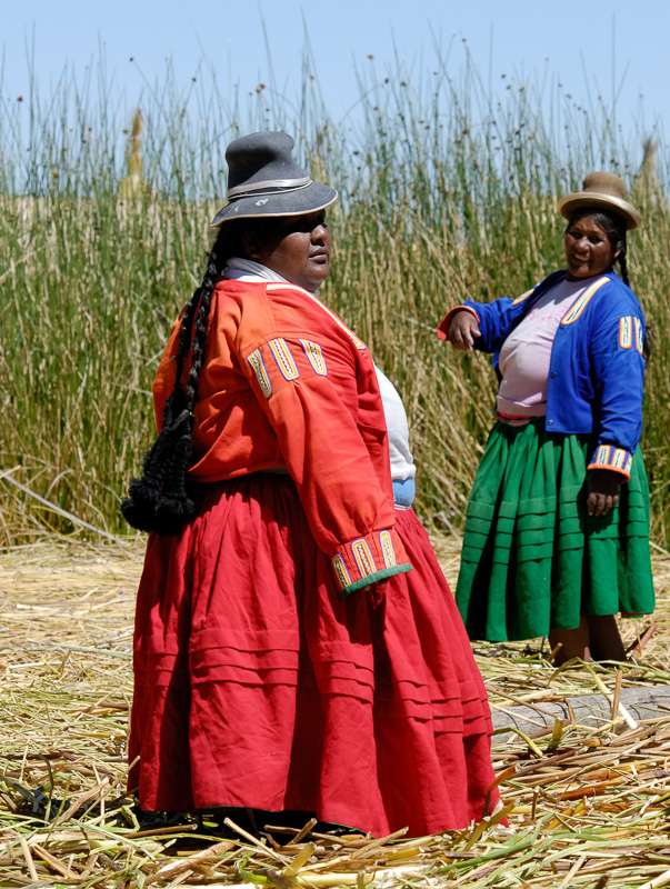 Woman-living-on-Uros-Floating-Islands-Photo-2647A.jpg