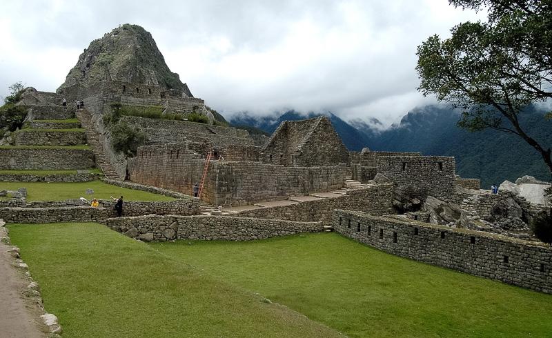 Inca-Ruins-Machu-Picchu-Peru_066-2.jpg