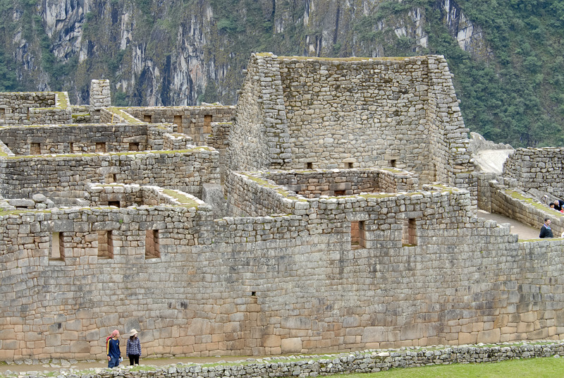 Machu-Piccu-Inca-ruins-Photo_001.jpg