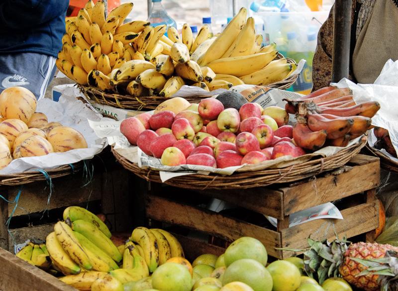 Fruit-Stand-at-Pisac-market-041.jpg