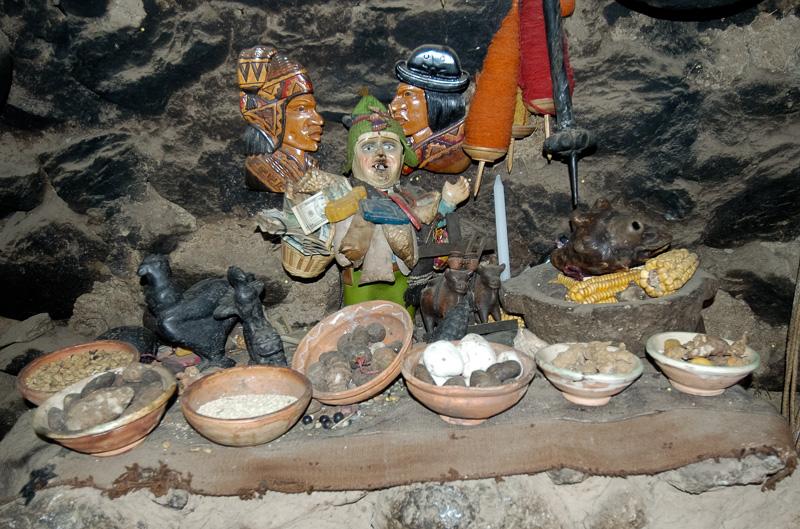 Interior-rock-adobe-style-home-Ollantaytambo-Peru-Photo_012.jpg