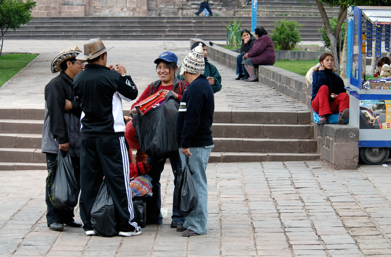 People-standing-near-a-square-in-Cuzco,-Peru-Photo_003.jpg