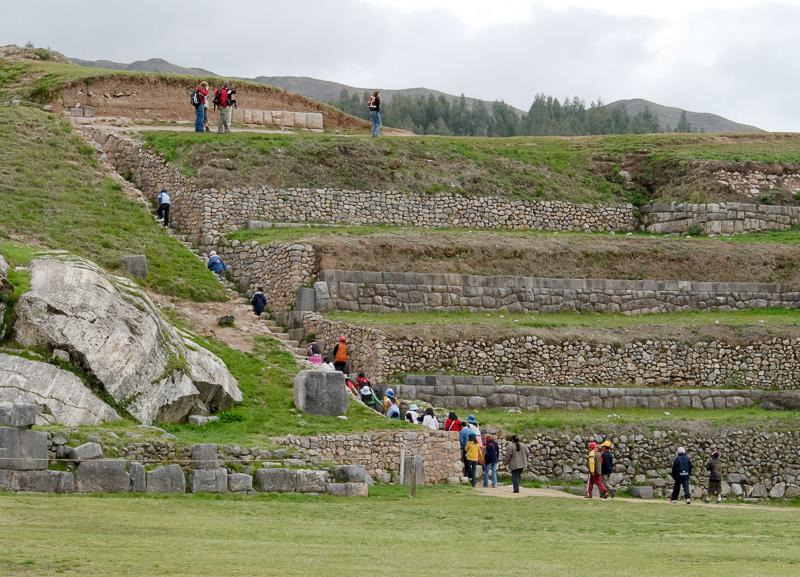 Sacsayhuaman-Inca-Ruins-Photo_006.jpg