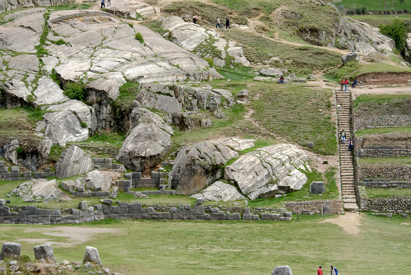 Sacsayhuaman-Inca-Ruins-Photo_007.jpg