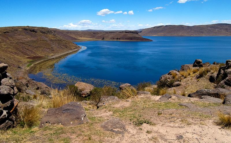 Lake-Umayo-near-Puno-in-Peru-Photo-006a.jpg