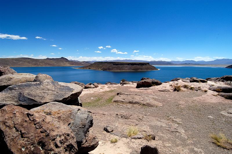 Lake-Umayo-near-Puno-in-Peru-Photo-011.jpg