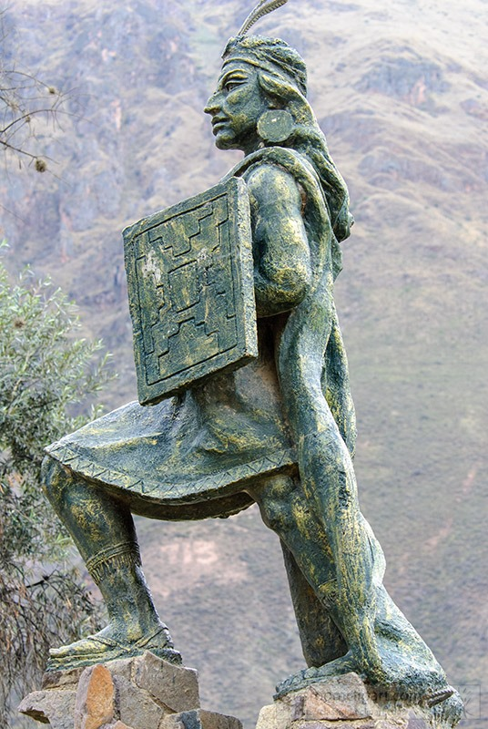 statue-of-ollantay-peru-1325.jpg