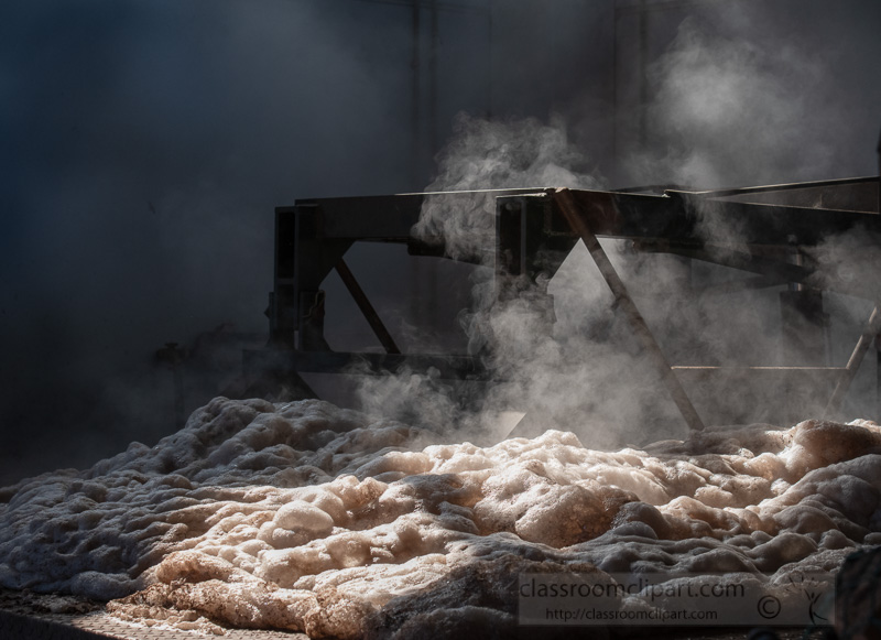 boiling-of-cork-planks-to-soften-and-clean-photo.jpg