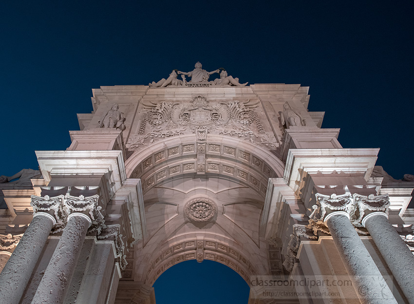 the-rua-augusta-arch-in-lisbon-by-night.jpg