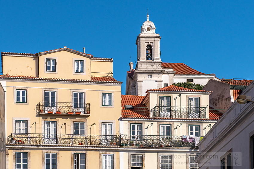 traditional-buildings-of-alfama.jpg