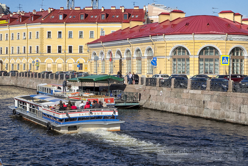 photo-tourist-boat-st-petersburg-russia-canal-b.jpg