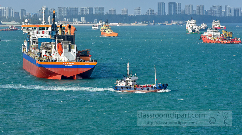 ship-in-the-busy-harbor-singapore-6092.jpg