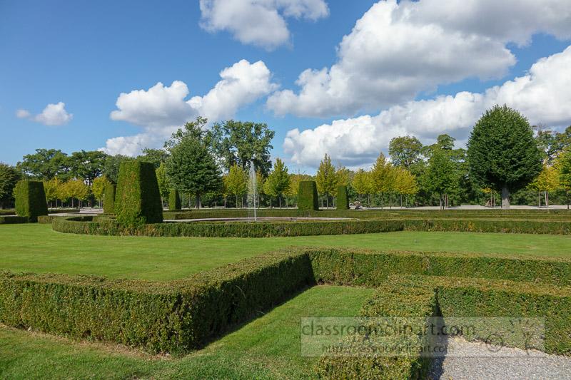 manacured-gardens-of-castle-of-drottningholm-5645.jpg