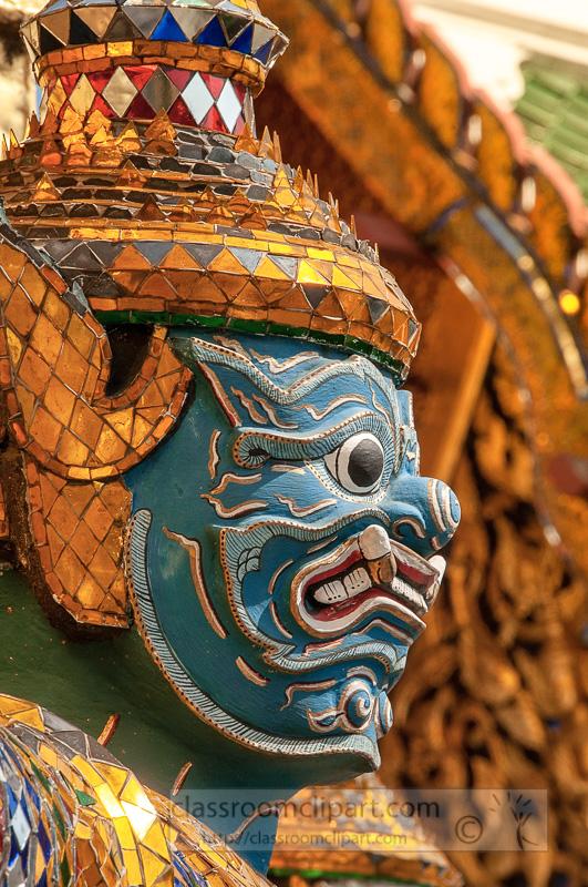 guardian-statue-at-wat-phra-kaeo-the-royal-grand-palace-bangkok-thailand-41671.jpg