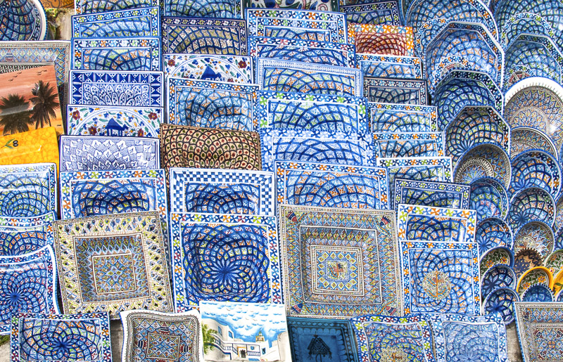 blue-and-white-ceramic-plates-for-sale-of-sidi-bou-sid-tunisia-photo-image-011.jpg