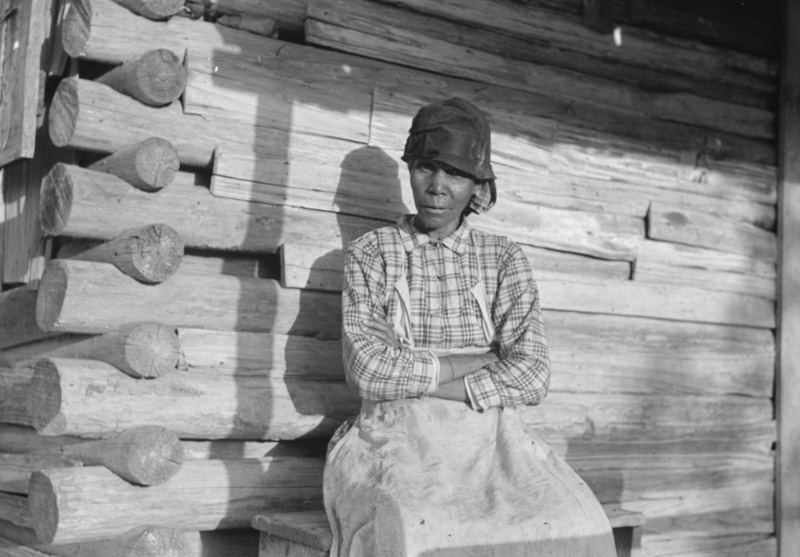 aunt-sally-old-midwife-gees-bend-alabama-1939.jpg