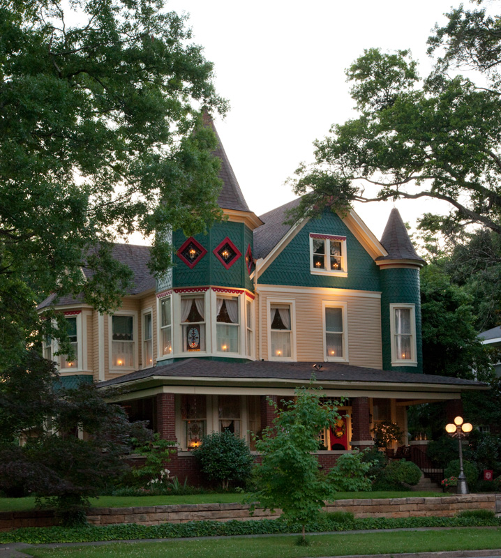 historic-victorian-home-in-sheffield-alabama.jpg