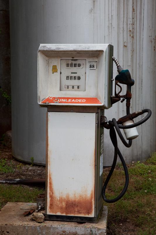 old-gas-pump-in-mooresville-alabama.jpg