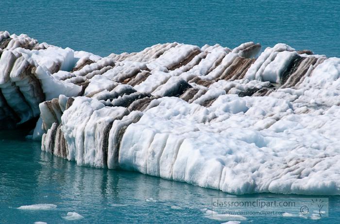 ice-floating-in-glacier-bay-alaska-photo_657cc.jpg