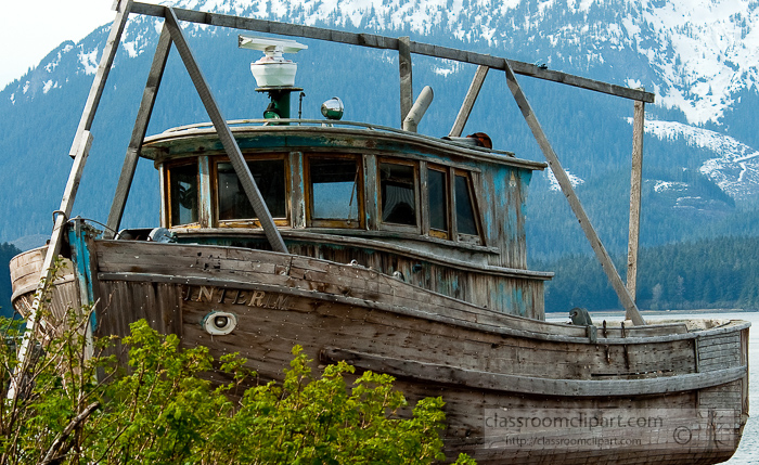old-wooden-boat-along-the-shore-Alaska-photo_635bcc.jpg