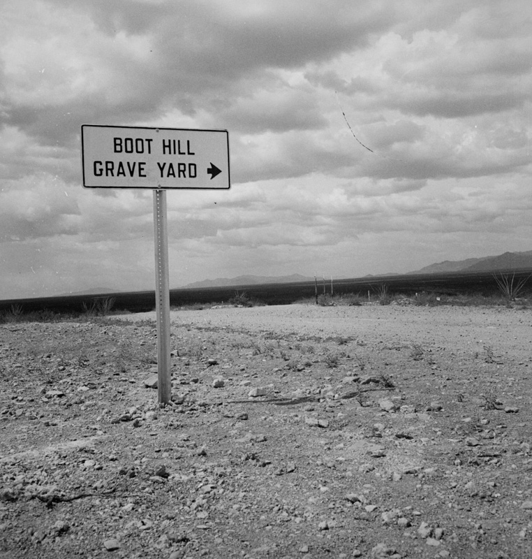 sign-near-tombstone-arizona.jpg