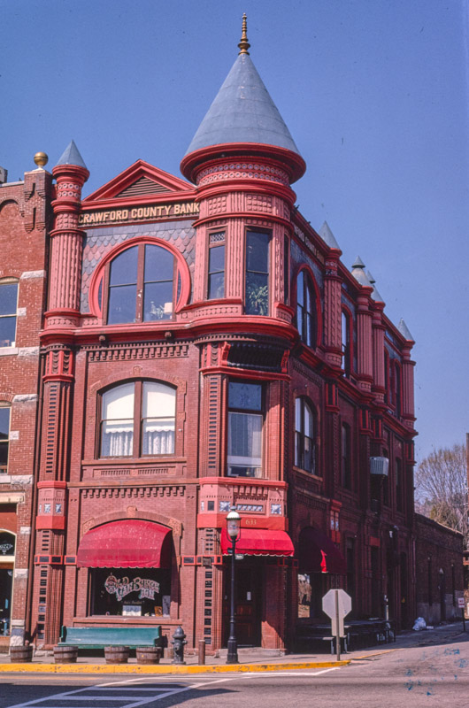crawford-county-bank-main-street-van-buren-arkansas.jpg