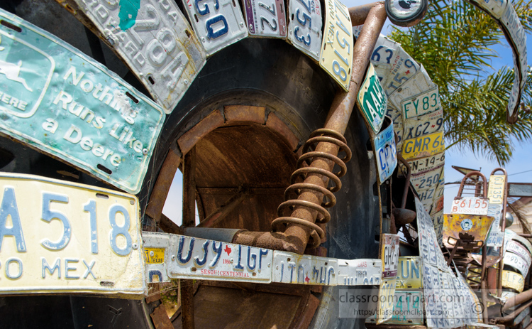 closeup-old-motorcycle-with-license-plates-california-coast-2.jpg