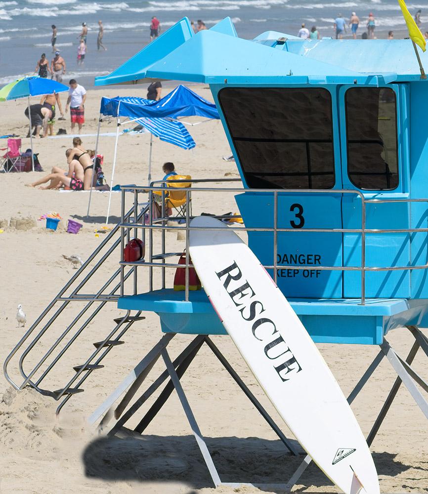 life-guard-rescue-station-on-pismo-beach-california.jpg