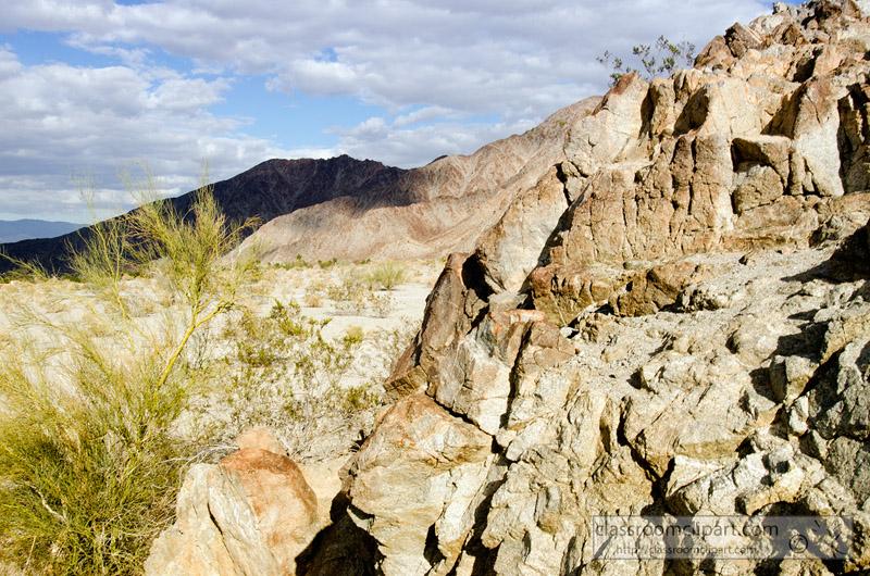 palm_desert_mountain_050A.jpg