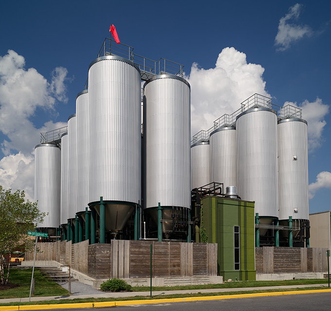 giant-beer-vats-at-the-dogfish-head-craft-brewery-in-milton-delaware.jpg