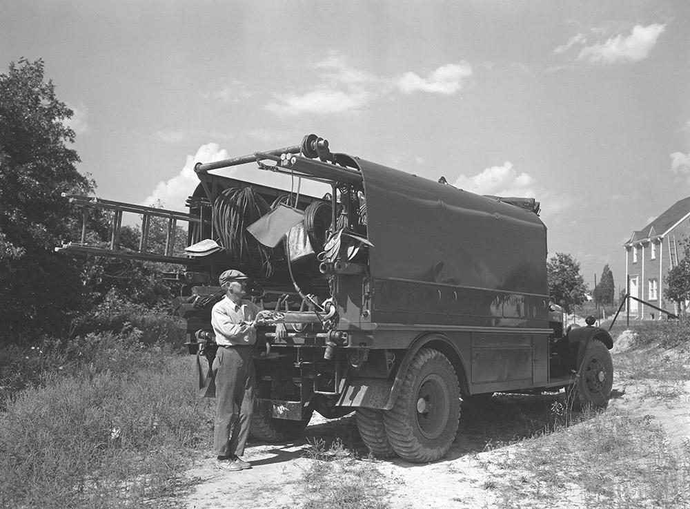 potomac-electric-power-company-linemens-truck-.jpg