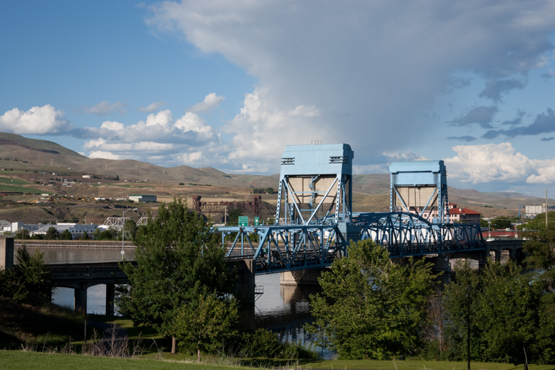 bridge-to-lewiston-idaho.jpg