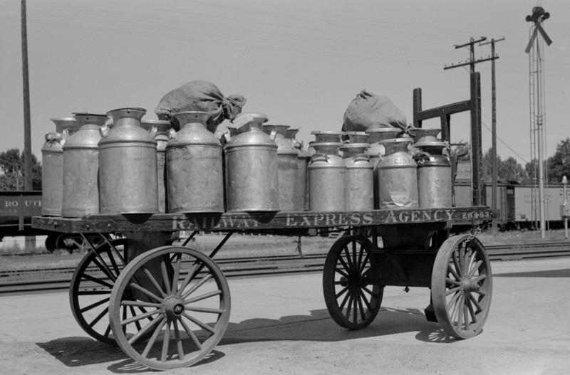 milk-which-has-arrived-by-train-caldwell-idaho-1940.jpg