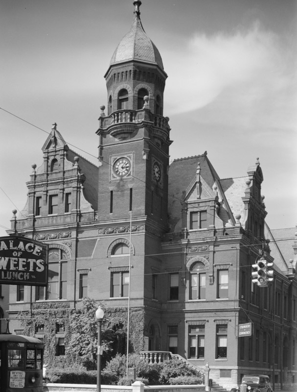 city-hall-and-courthouse.-vincennes-indiana-1938.jpg