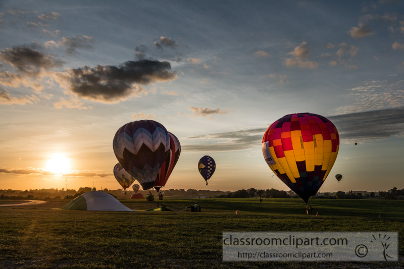 photo-colorful-balloons-in-a-night-glow-as-pilots-fire-the-burners-on-the-ground-at-the-national-balloon-classic.jpg