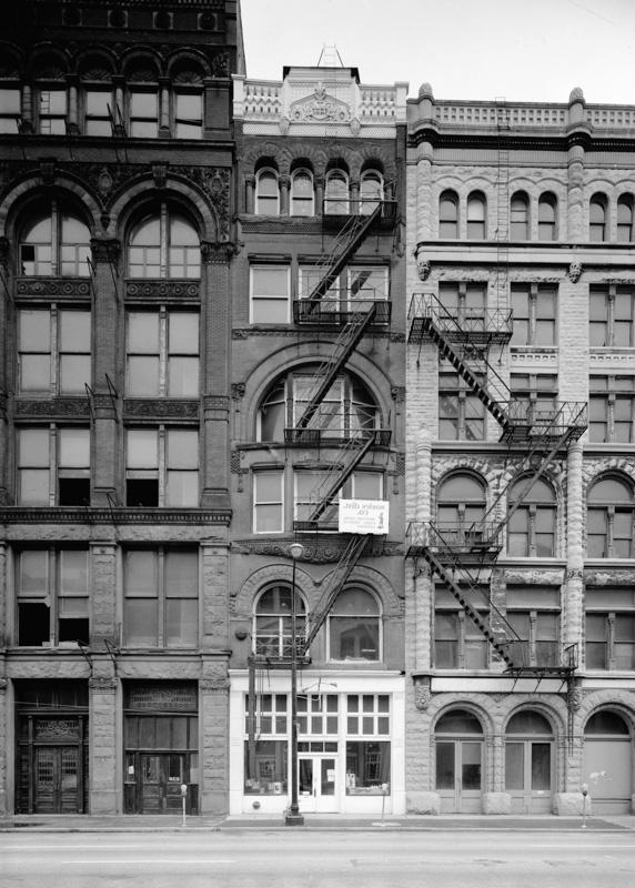 Buildings-on-Main-Street-Louisville-Kentucky-Historical-Photo.jpg