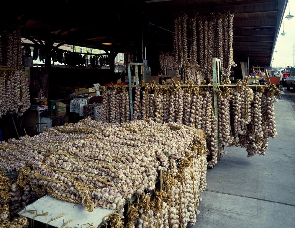 garlic-strings-at-the-french-quarter-market-new-orleans-louisiana.jpg