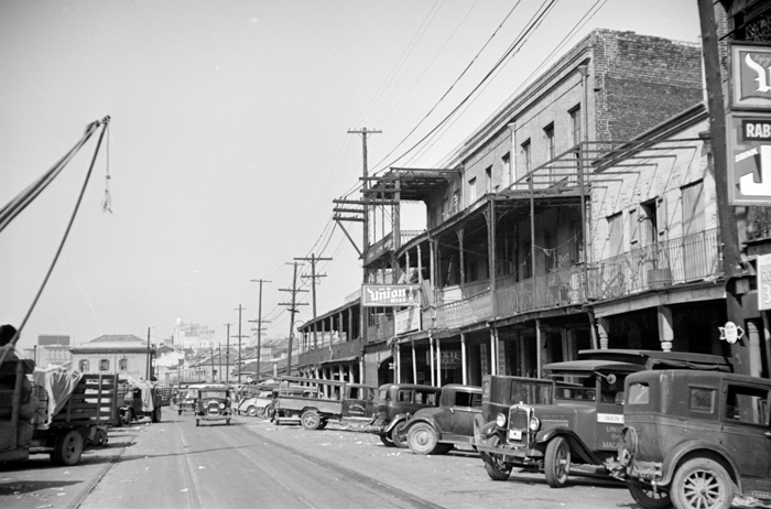 marketplace-at-new-orleans-louisiana-photo.jpg