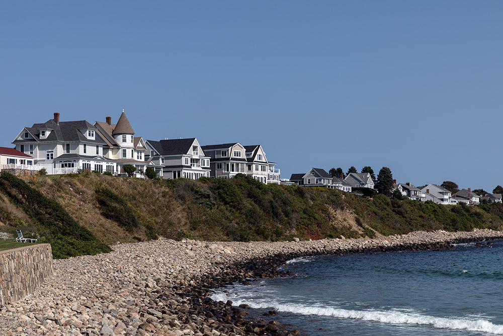 seashore-homes-line-rocky-york-beach-maine.jpg