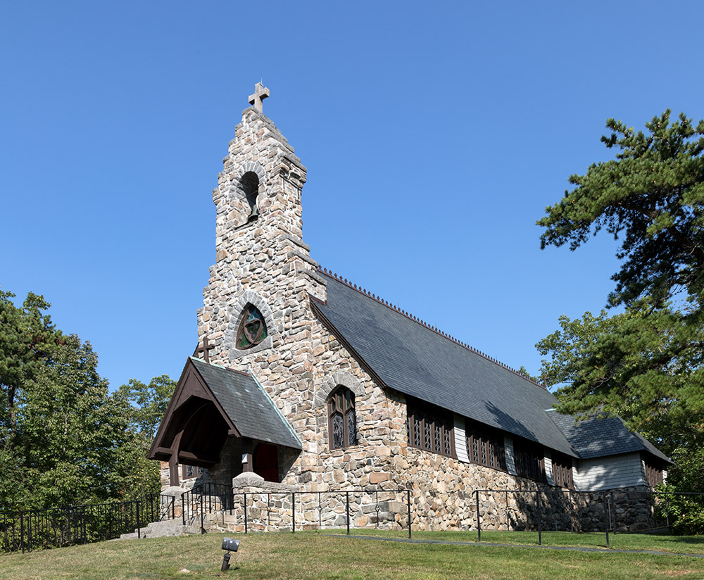 st-peters-by-the-sea-episcopal-church-in-cape-neddick-maine.jpg