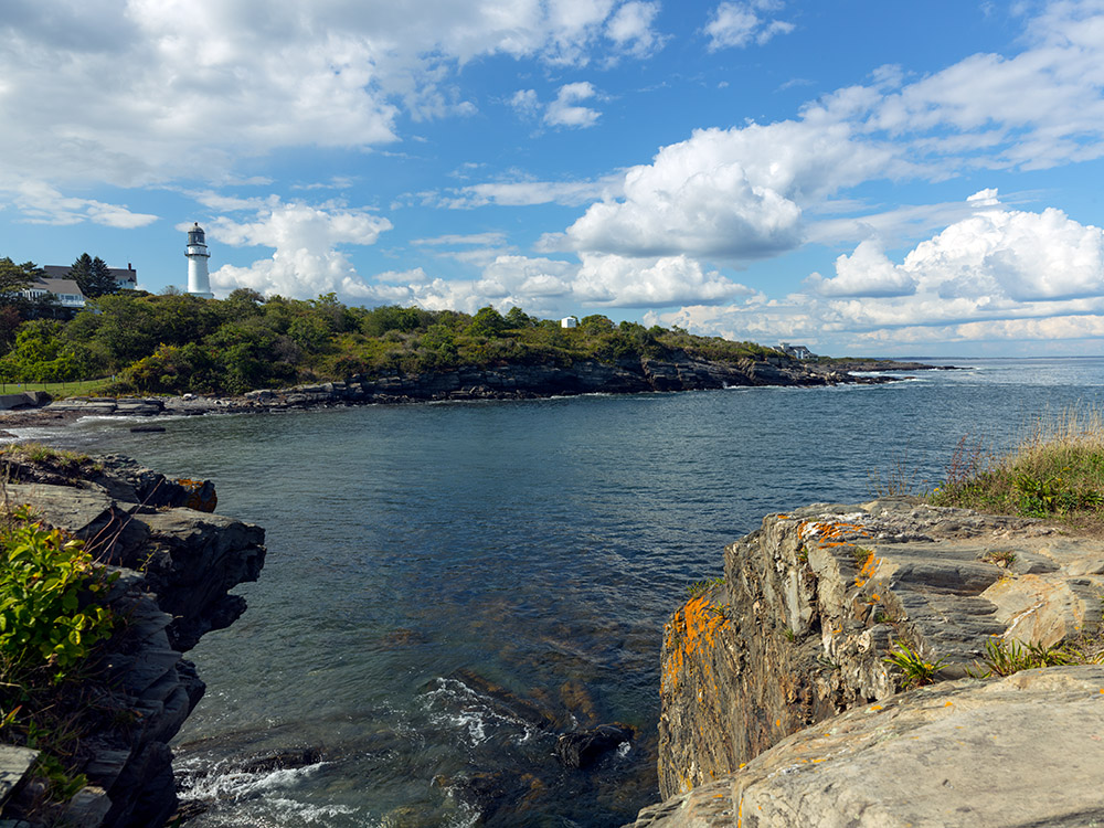 visible-lighthouse-of-cape-elizabeth-maine-twin-lights.jpg