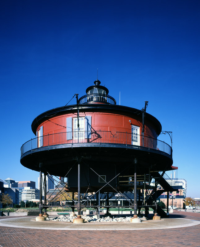 photo-seven-foot-knoll-lighthouse-baltimore-maryland.jpg