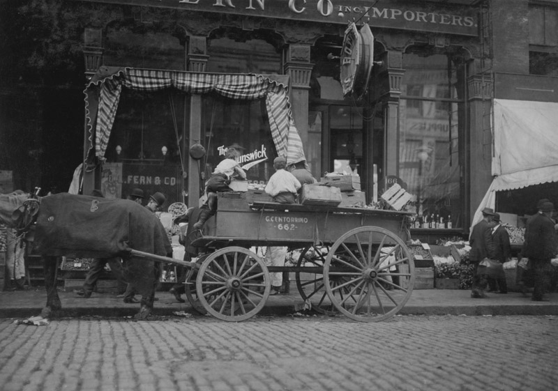 selling-vegetables-in-the-market-1909.jpg